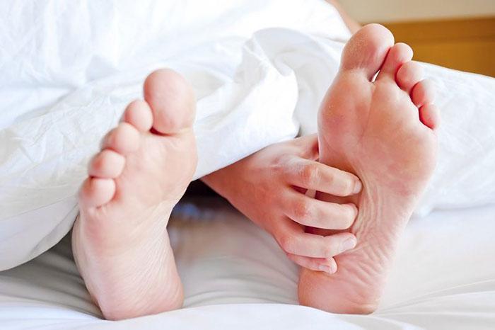 آیا سندرم پای بیقرار خطرناک است،ورزش برای سندرم پای بیقرار،کمبود آهن و سندرم پای بیقرار،سندرم پای بیقرار نی نی سایت،کیا سندرم پای بیقرار داشتن،فیزیوتراپی در سندرم پای بیقرار،سندرم پای بیقرار در ترک اعتیاد،جوراب سندروم پای بیقرار