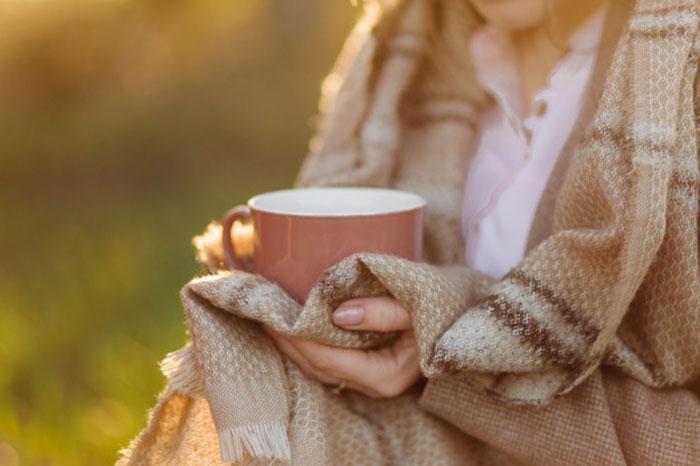 درمان سرد شدن پاها، درمان سردی انگشتان پا، سردی دست، سوزش و سردی پا، علت سر بودن انگشتان پا، علت سرد شدن انگشت اشاره، علت سردی انگشتان پا در طب سنتی، علت سردی انگشتان دست و پا